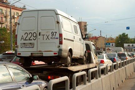 evacuatia-gruzovikov-v-moskve[1]